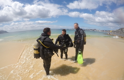 Scuba Instructor with PADI Open Water Divers